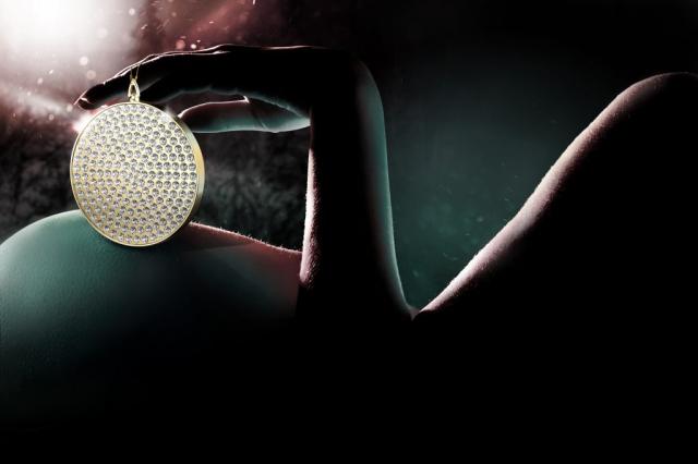 jewelry ad, ornament ad, swarovski crystal ad