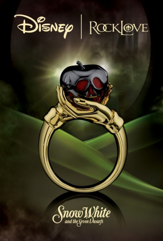 disney, snow white, beautiful, jewelry, ring, jewelry ad, green, print ad, creative jewelry ad